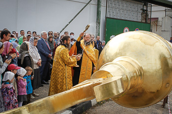 Освящение креста колокольни Николо-Берлюковского монастыря