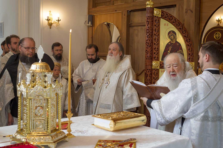 Освящение храмов в Николо-Берлюковском монастыре