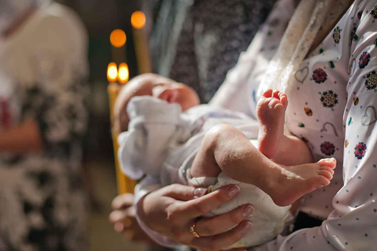 Ребенок кричит на причастии и отворачивается, почему дети плачут в Церкви